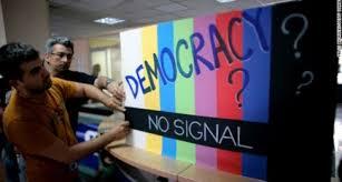 Post democrazia